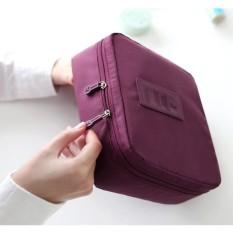 Deehaya Store Tas Travel Bag Organizer Untuk Kosmetik Dan Sabun – Maroon By Deehaya Store.