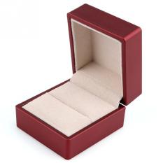 Spesifikasi Diamond Perhiasan Cincin Kotak Dengan Led Light Keterlibatan Pernikahan Merah Srorage Terbaik