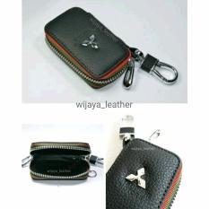 Dompet Gantungan Kunci Dan STNK Mobil Mitsubishi hitam dan coklat