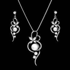 Fashion Mutiara Emas Berlapis Perak Pernikahan Bridal Kalung Earrings Perhiasan Set Warna-> Putih-Intl&#8221;></p> <h2>Fashion Mutiara Emas Berlapis Perak Pernikahan Bridal Kalung Earrings Perhiasan Set Warna-> Putih-Intl</h2> <p>Barang ini di jual oleh Grand store melalui Lazada dan akan dikirim dari Tiongkok.</p> </div> <div class=