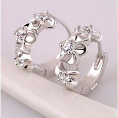 Anting-Anting Perak Model Simpai Bahan Perak Berhias Berlian Imitasi