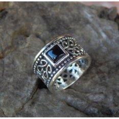 Jnanacrafts Cincin Perak Motif Ukiran Bali Batu Black Onyx Kotak
