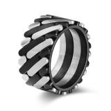 Harga Hemat Kemstone Dinamis Twill Cincin Hitam Dan Perak Titanium Steel Pria Cincin Kreatif Rocker Ring Internasional