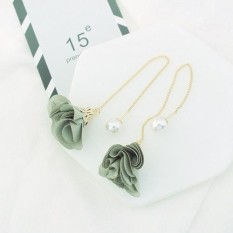 LRC Anting Gantung Elegant Beige Flower Shape Decorated Simple Long Chain Earrings