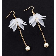 LRC Anting Gantung Fashion Flower&pearls Decorated Long Earrings