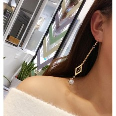 LRC Anting Gantung Fashion Round Ball Pendant Decorated Tassel Design Earrrigs