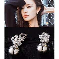 LRC Anting Jepit Fashion Silver Color Flower Shape Decorated Earrings