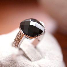 Moonar Perempuan Akik Imitasi Berlian Hitam Batu Kristal Sekitar Jari