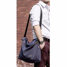Remax Fashion Laptop Bodypack Shoulder Bags Tas Selempang Pria Men Sling Bag Tas Bahu Buat Ipad Buku Smartphone Foldable Fashion Stylish Design Trendy Cocok Untuk Travel Jalan Rekreasi Kuliah Sekolah Kerja Cepat Kering Praktis Ringan Bisa Dilipat - Biru