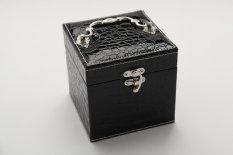 Jual Retro Kain Beludru Bergaya Eropa Anting Kotak Kotak Perhiasan Murah Tiongkok