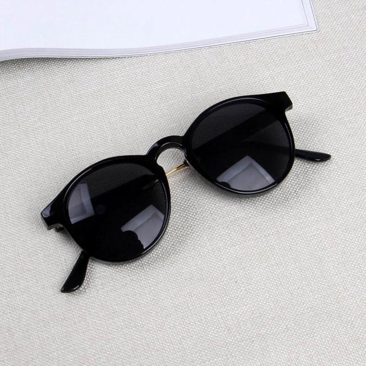 Retro perempuan perlindungan UV untuk pria dan wanita kacamata kacamata  hitam kacamata hitam. Harga KacA MatA ... 9cfc5565ad