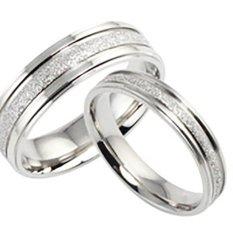 (Bisa Bayar Di Tempat) 2 Cincin + Kotak Cincin Couple / Kawin / Tunangan Titanium Original CC024