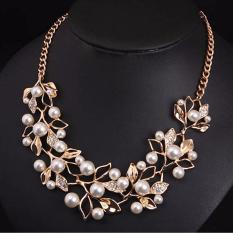 Vienna Linz Kalung Pesta Mutiara Daun Crystal Pearl Necklace Ethnic Jewelry - Gold Putih