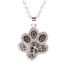 Wanita Cantik Bekas Cakar Anjing Hitam Putih Liontin Berlian Imitasi Kalung Perak