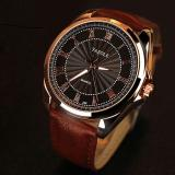 Jual Beli Yazole 336 Pria Quartz Tahan Air Rhinestone Golden Bezel Leather Wrist Watch Intl