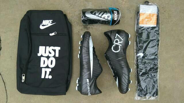 sepatu bola terlaris murah berkualitas keren kuat sepatu sepakbola lengkap  hemat 2573977fae