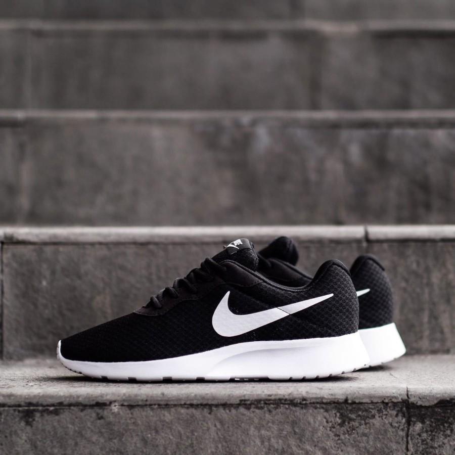 AVAULTS Sepatu Sneakers Nike Tanjun Run Black White Original / Sepatu Pria Wanita / Sepatu Olahraga / Sepatu Sneakers