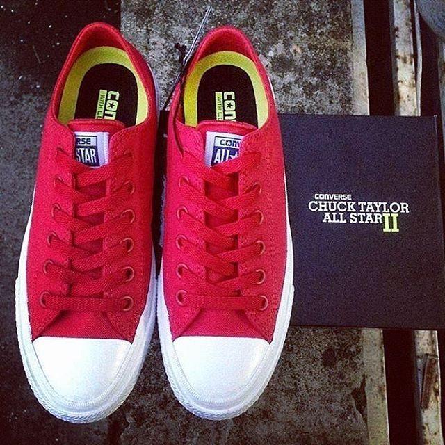 Sepatu Pria Wanita AllStar ChuckTaylor 2 (Vietnam) Canvas Low Cut Sneakers  - Red 1808da4657