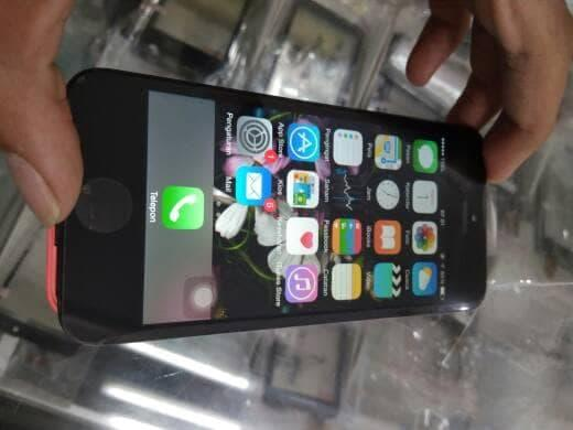 IPhone 5 C HITAM LCD + Touchscreen Original 100%