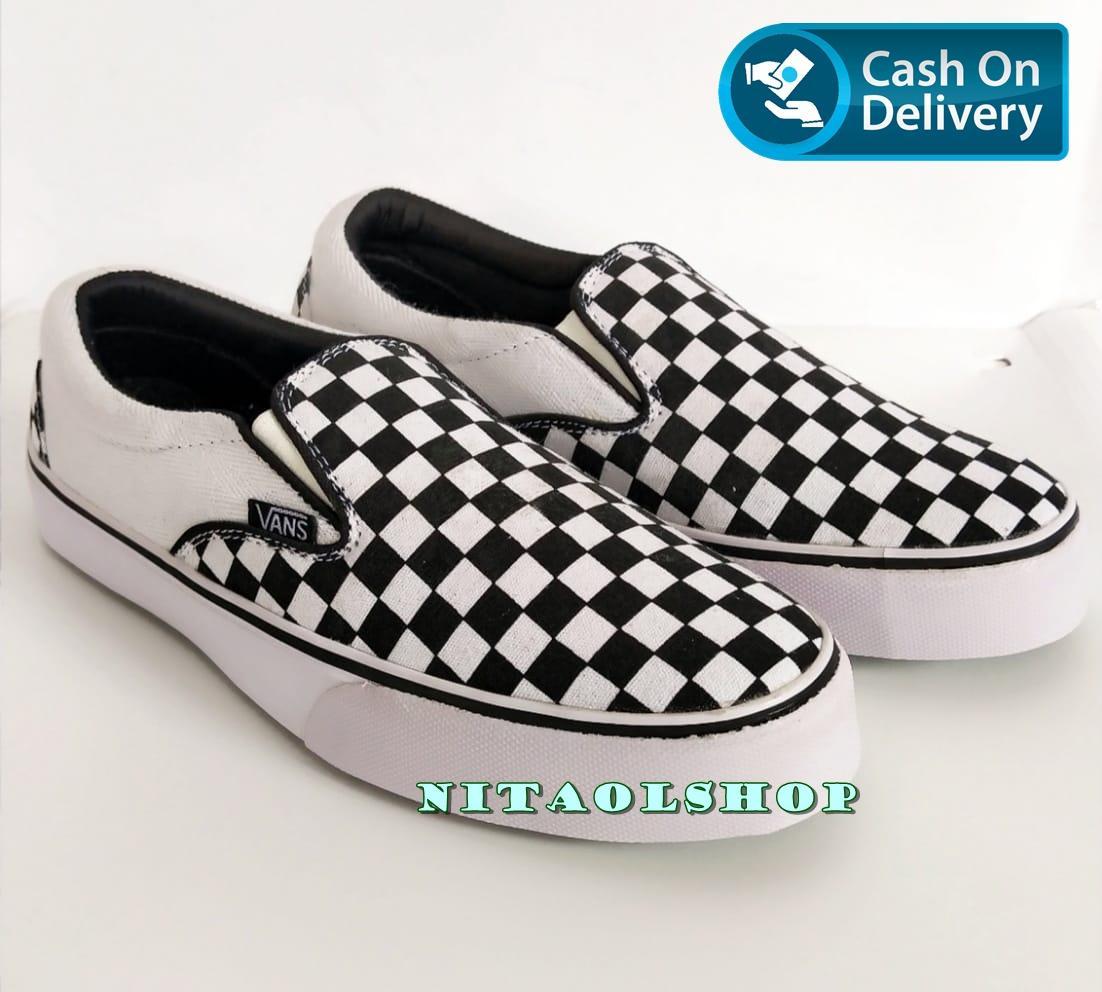 Sepatu Sneaker Skate casual Vanns Checker Board / Catur Slip On Hitam Premium Quality HIGH QUALITY - Nitaolshop