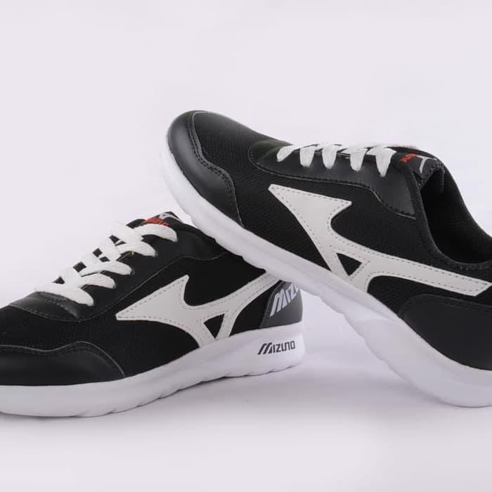 sepatu sneakers mizuno hitam putih running jogging lari/sepatu kuat / sepatu impor / sepatu