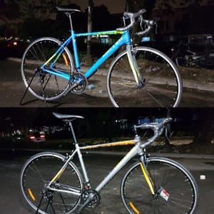 Sepeda Balap United Inertia 100 Frame Alloy Fork Carbon Berkualitas