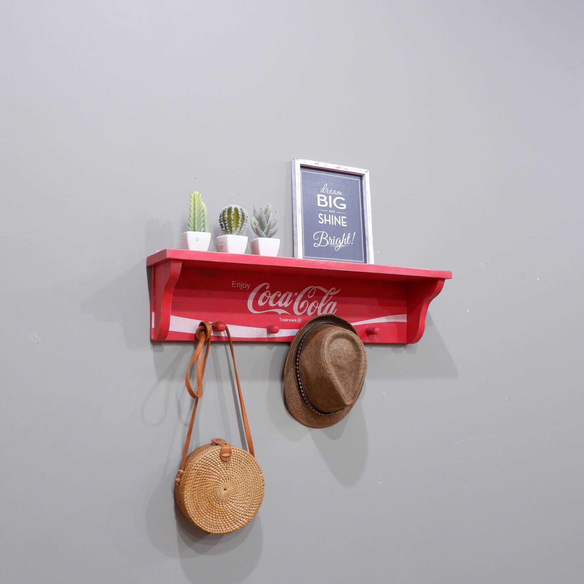 The Olive House - Gantungan Coca-Cola Medium