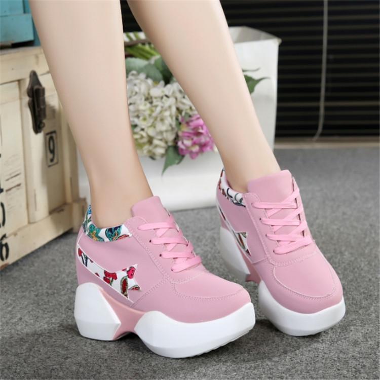 Sepatu Wedges Wanita Lucu Corak Batik Bunga - Sepatu Sneakers Tinggi Import ANGEL CLCT
