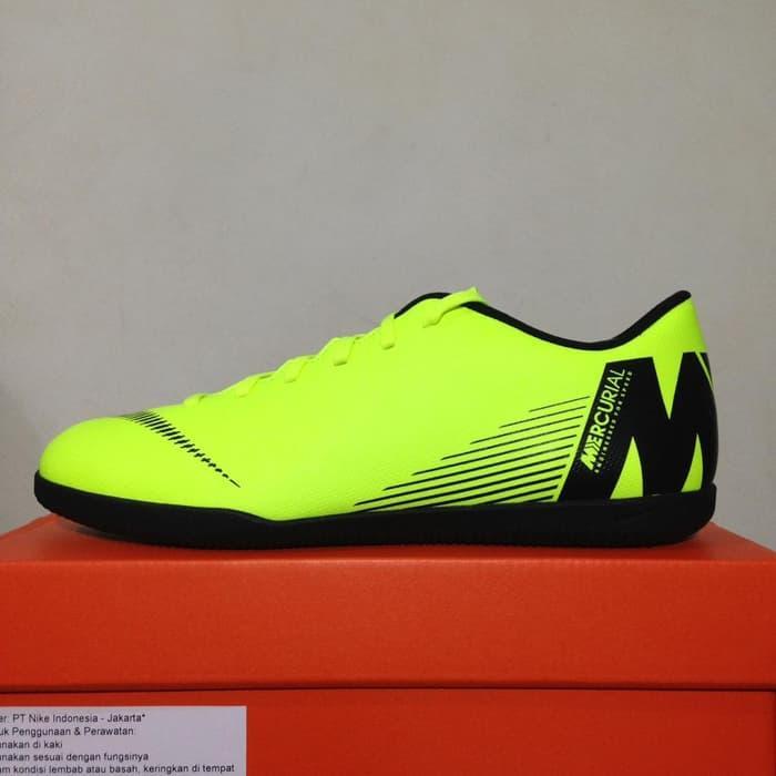 006511740 KING OF DRIBBLE Sepatu Futsal Nike Vapor 12 Club IC Volt Black AH7385-701  Original
