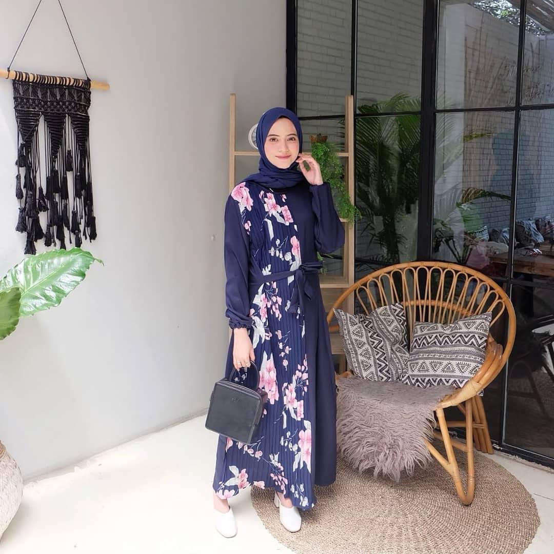 Fathin Dress / Gaun Pesta / Gamis Feminim / Gaun Wanita Modern / Baju Kebaya / Gamis Wanita Terbaru / Gamis Syari / Gamis Remaja / Kebaya untuk Wisuda / Long Dress / Dress Wanita Muslim / Pakaian Muslim Wanita / Pakaian Muslim Terbaru / Baju Muslim Wanita