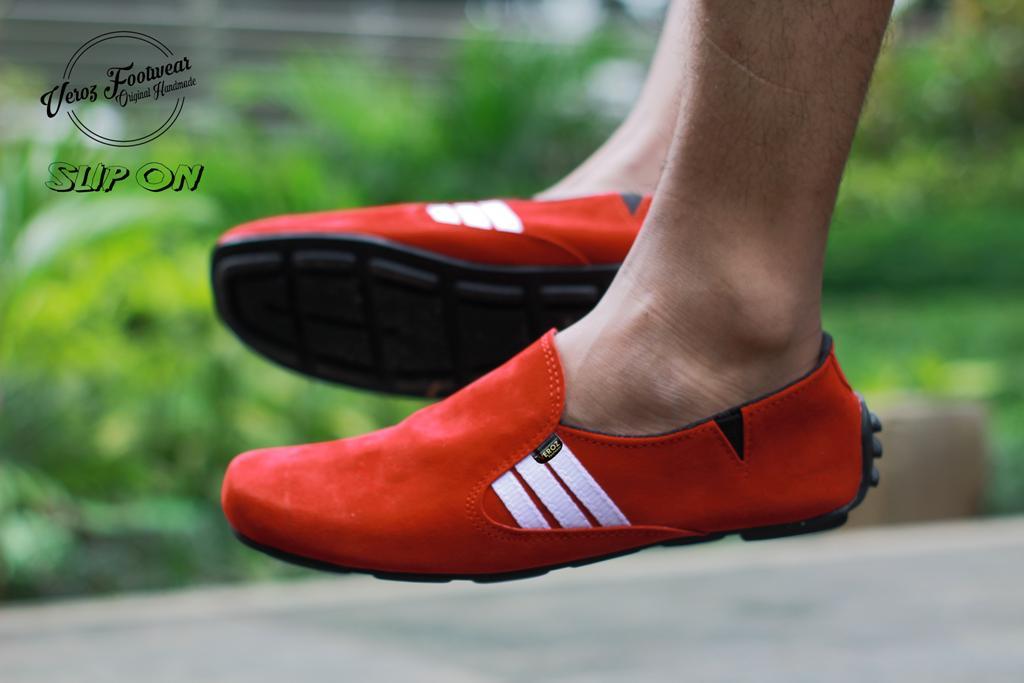 Promo Sepatu Casual Slip On Pria Murah  sepatu kulit BUKAN kickers  slop pantofel 8e0b240025