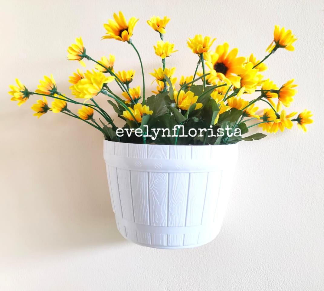 Bunga Matahari Artificial Pot Gantung Putih Plastik Motif Gentong Tanaman Hiasan Dinding Handmade Berkualitas Lazada Indonesia