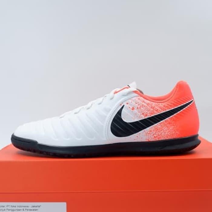 8b3fee135ac52 KING OF DRIBBLE Sepatu Futsal Nike Legend 7 Club IC Hyper Crimson  AH7245-118 Original