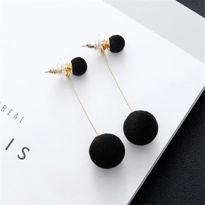Amefurashi Anting Luxury Pom Pom Fluffy Ball Drop Earring