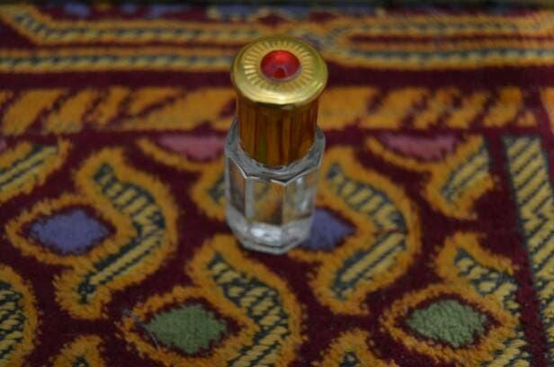 BEST SELLER minyak/parfum full bibit murni 6ml (misik putih,cendana,melati