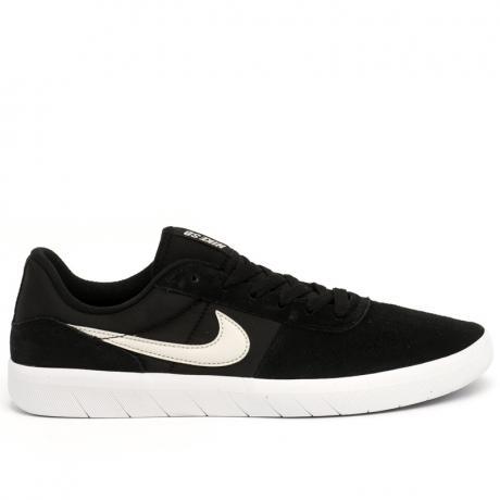 Jual Sepatu Nike Pria Terbaru  5d75256915