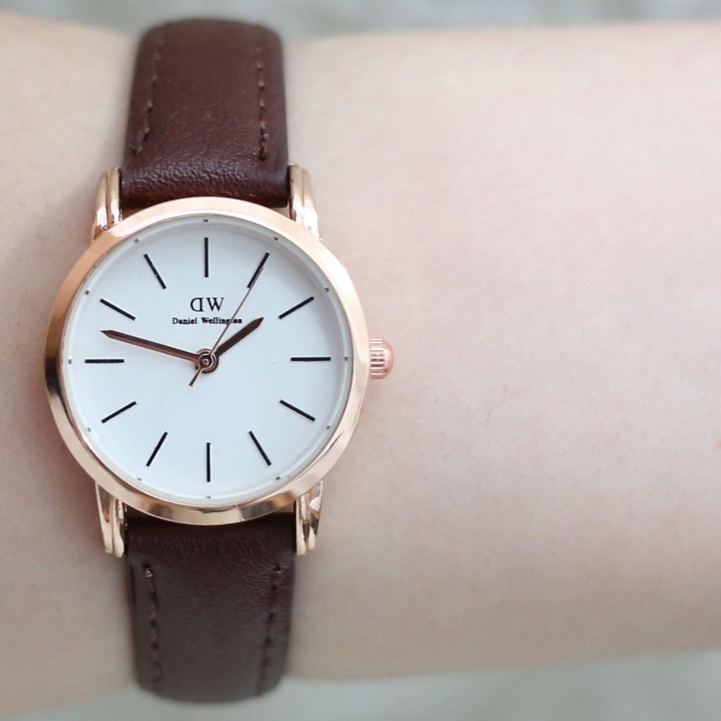 Jam tangan pria wanita diameter kecil tali kulit leather grosir ecer free baterai cadangan DW004