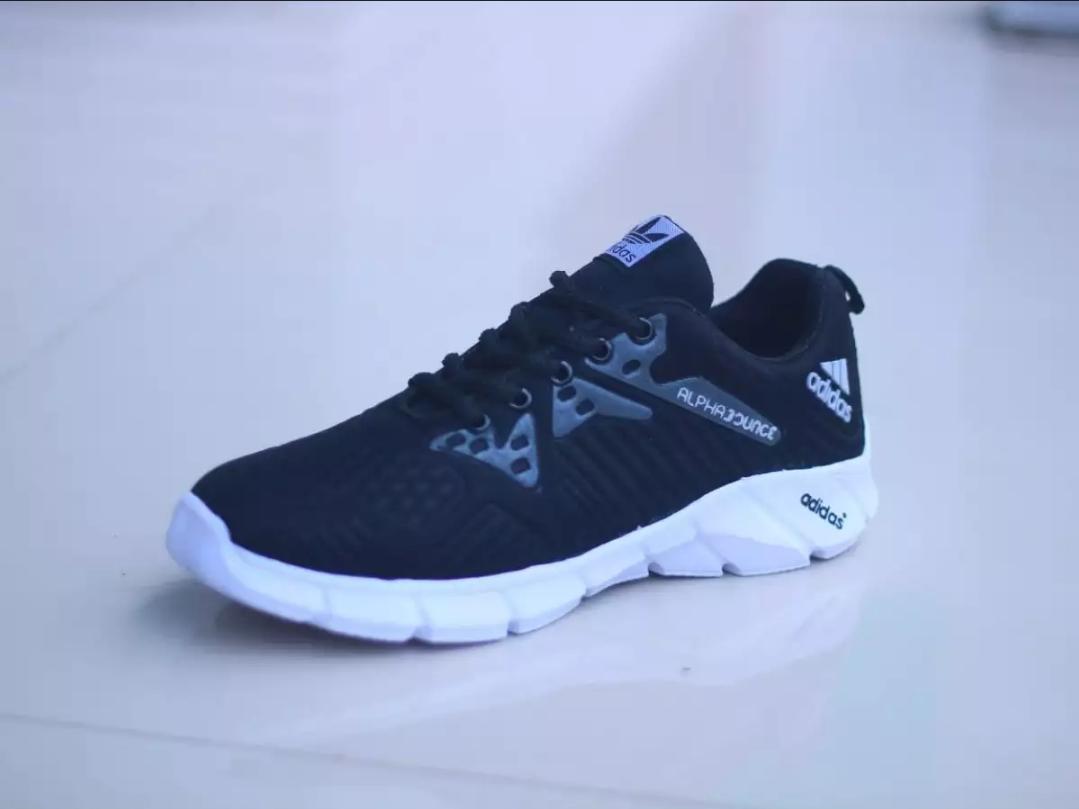 sepatu ALPABOUNCE BM / sepatu adinova / bosmuda / sepatu running / sepatu murah / sepatu BM / sepatu sneakers / sepatu sport / sepatu olahraga