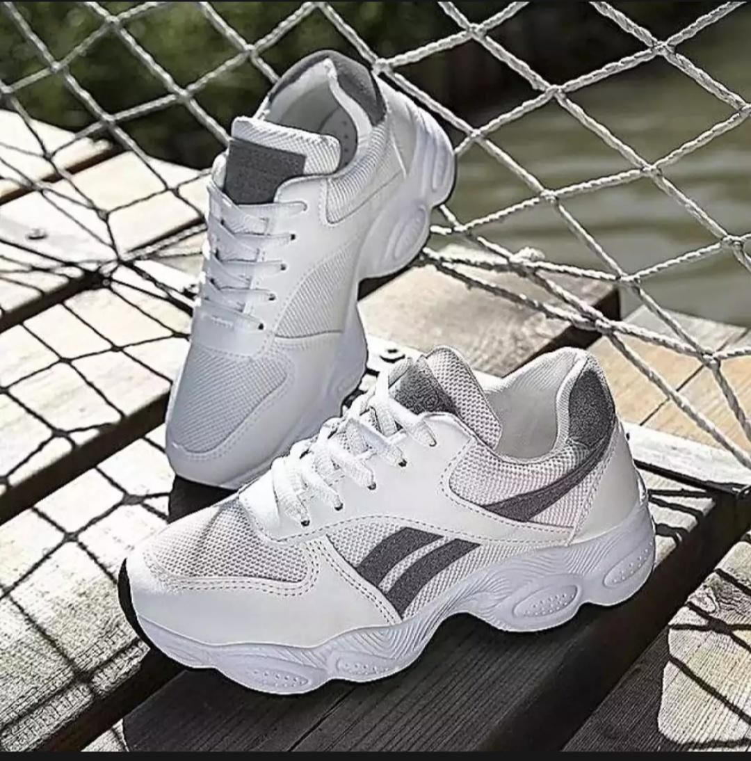 uwaiscollection Sepatu Sneakers Wanita Sport