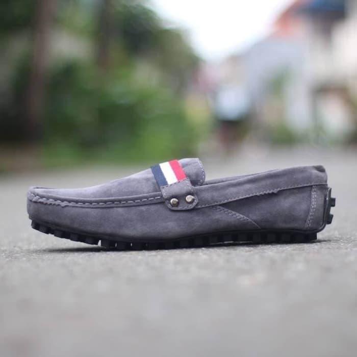 Sepatu Pria - Black Master Slip On Grey - GO