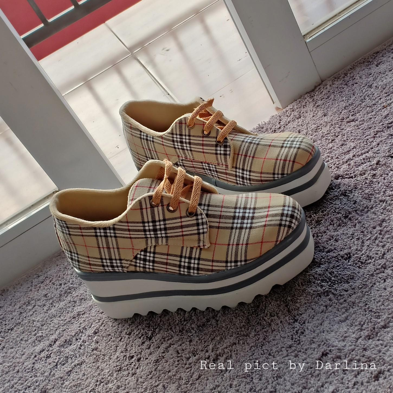 Sepatu Sneakers Boots Kemeja