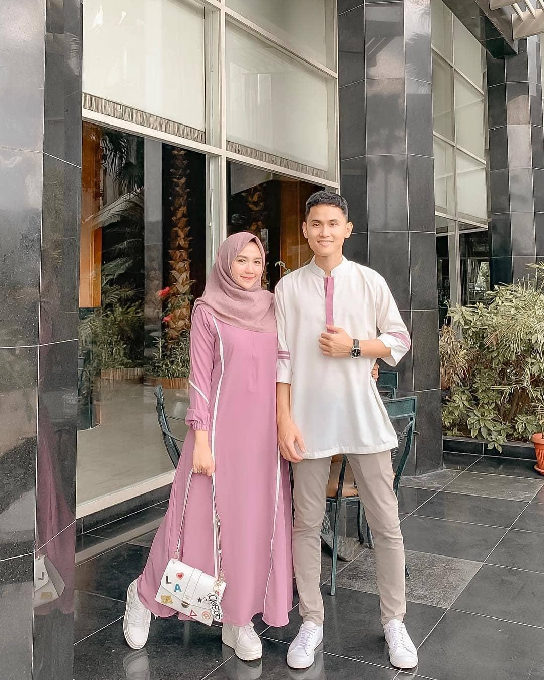 Baju Batik Terbaru Muslim Couple Pria Wanita Model Foto: Jual Baju Couple Terbaru