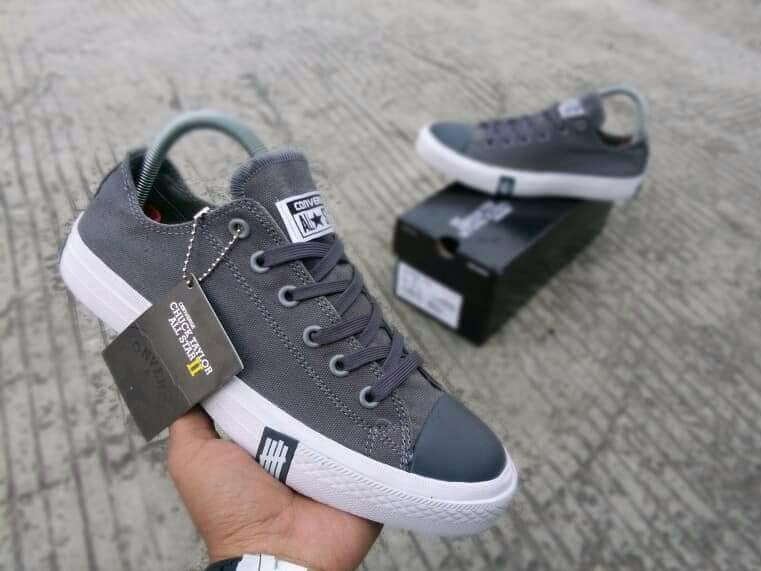 Terbaru terlaris sepatu sneakers casual chuck taylor ct all star undefeated  flash petir low abu putih 9f4c2677b9