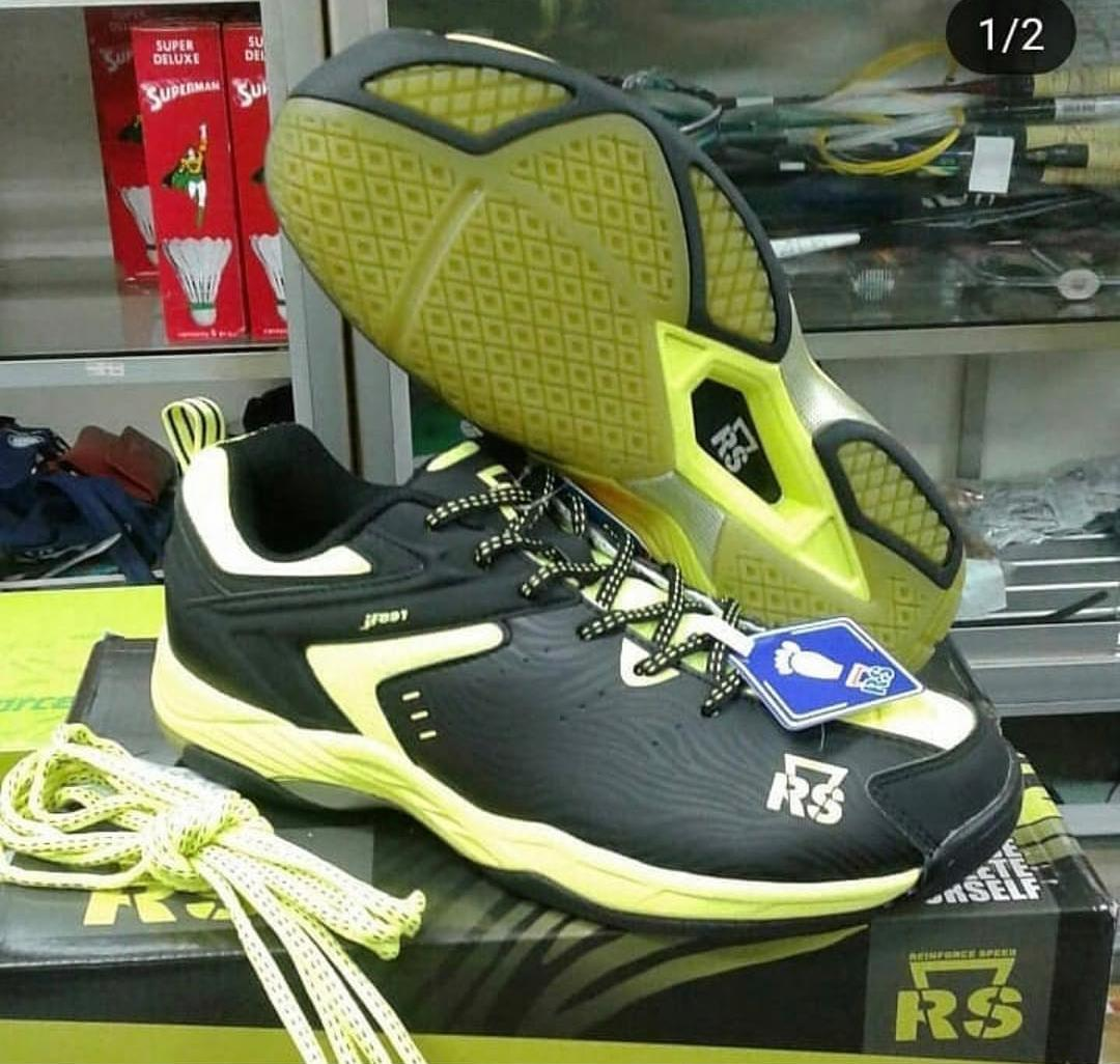 Kelebihan Sepatu Badminton RS Sirkuit 567 dan Harganya. Source · Sepatu Rs  Jf891 Original Badminton Bulutangkis Shoes Murah Diskon Adha Sport 8d8bac1d52
