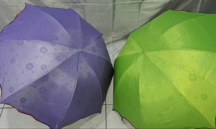 Payung Lipat MAGIC AJAIB 3 dimensi 3D Keluar motif bila kena CAHAYA