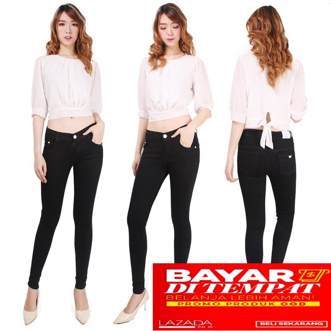 Bisa bayar di tempat(COD)--Celana jeans wanita model straight/Celana