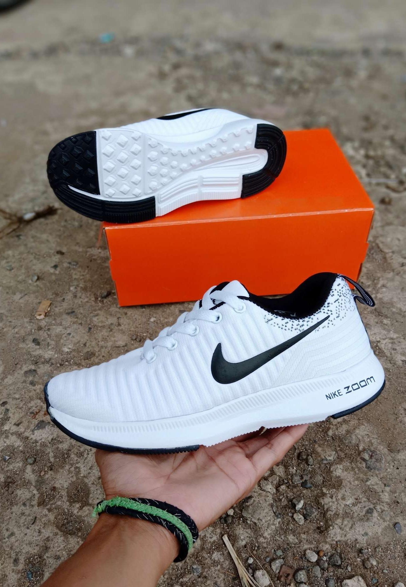 Sepatu Sport wanita Sepatu lari running joggig gym obic Menari Dance nik e  Zoom PUTIH 5525ed4861