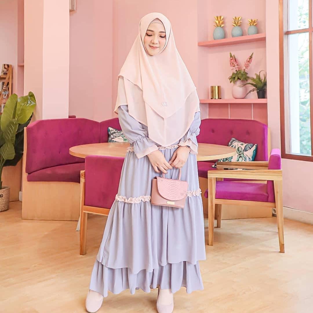 Ayudia Syari / Gaun Pesta / Gamis Feminim / Gaun Wanita Modern / Baju Kebaya / Gamis Wanita Terbaru / Gamis Syari / Gamis Remaja / Kebaya untuk Wisuda / Long Dress / Dress Wanita Muslim / Pakaian Muslim Wanita / Pakaian Muslim / Baju Muslim Wanita