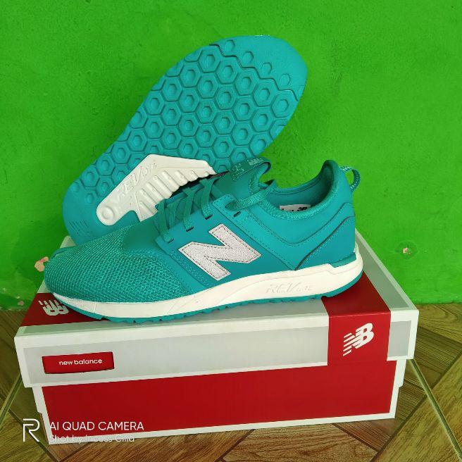 Sepatu running new balance 247 original Womens size