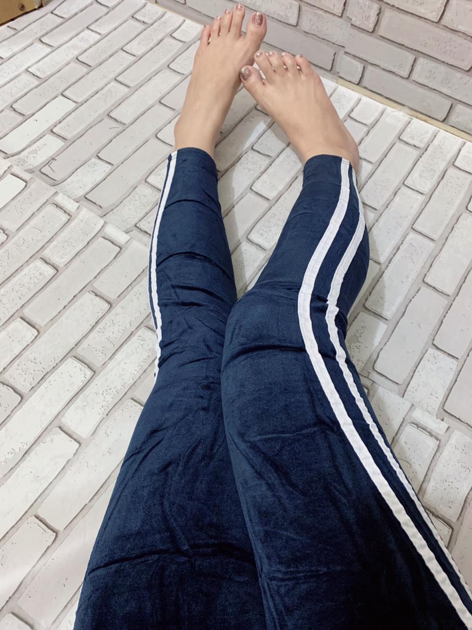 Celana Legging Import Wanita Bahan Bludru List Putih 08 Warna Navy Dan Hitam Lazada Indonesia